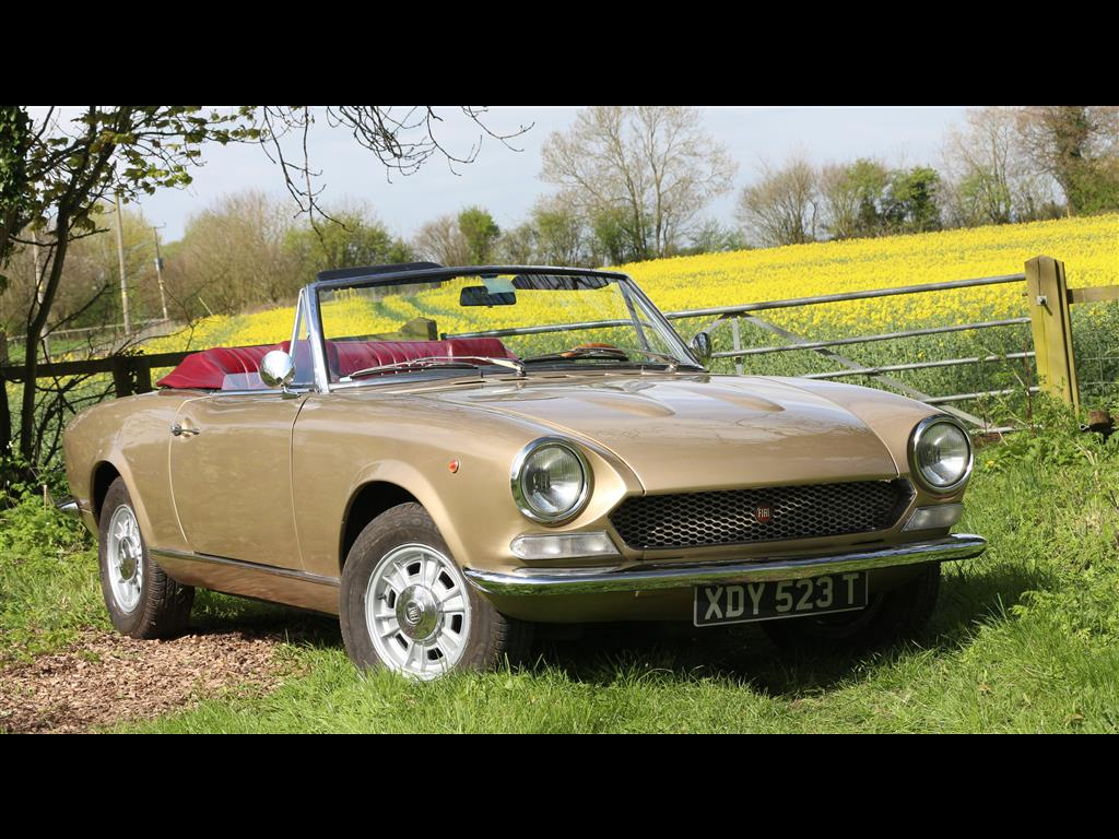 Fiat 124 CS Spider 1973 by:AMPaquete
