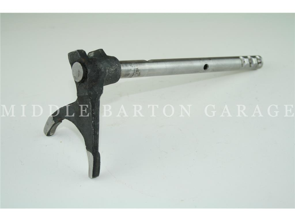 SELECTOR ROD WITH FORK 2nd GEAR 600/600D