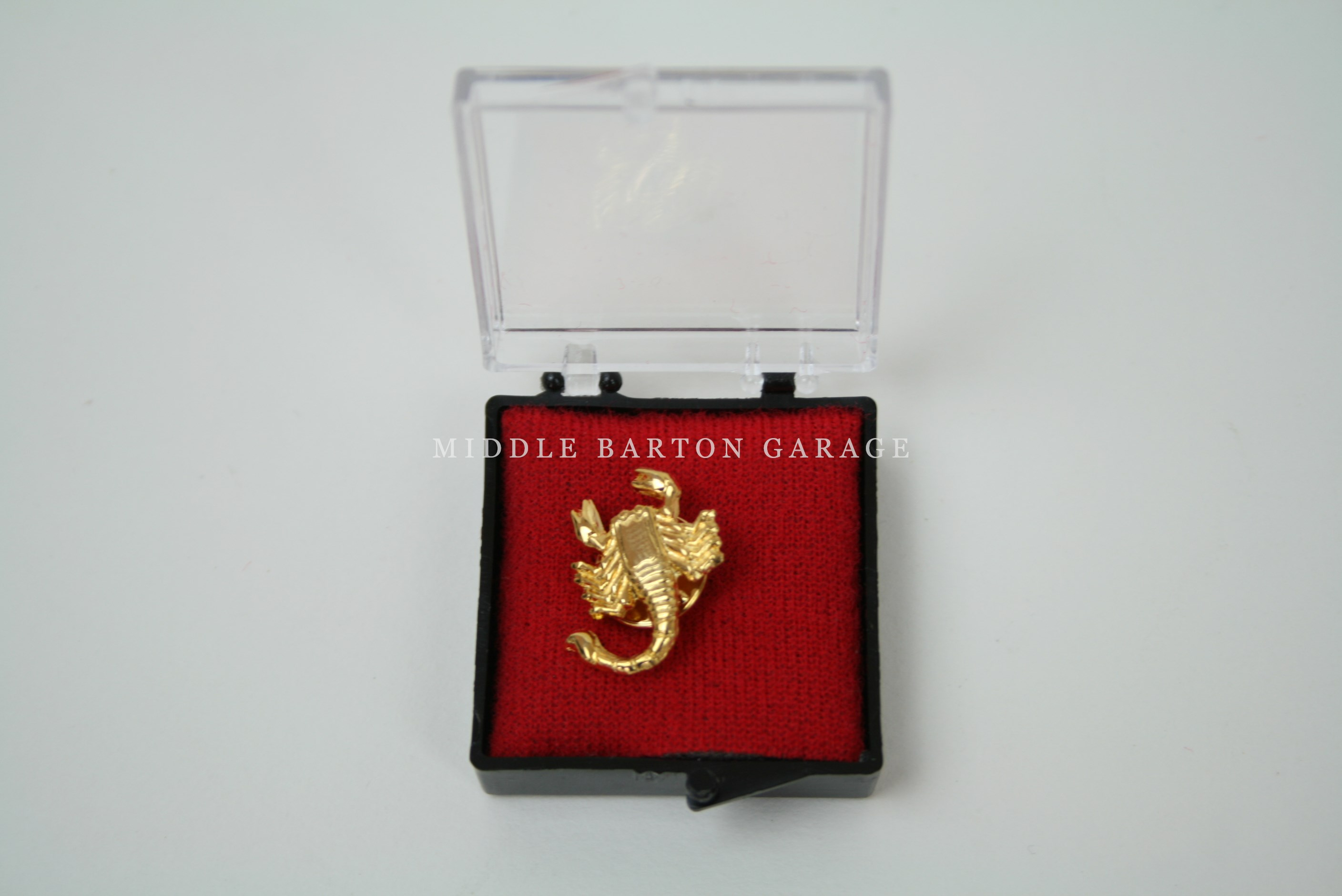 ABARTH SCORPION LAPEL/TIE PIN - GOLD COLOUR  20mm