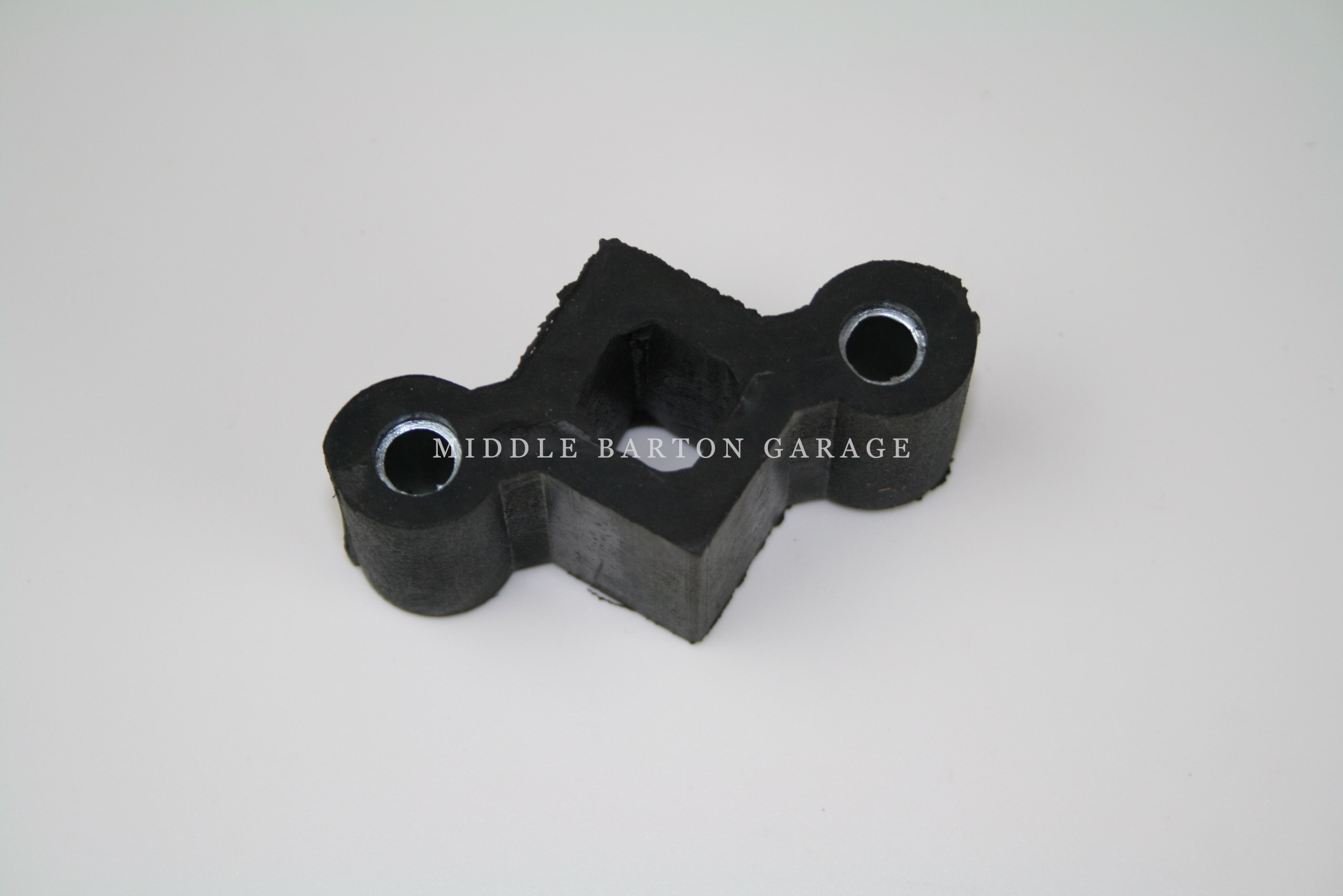 REAR EXHAUST HANGER 124 6.5MM