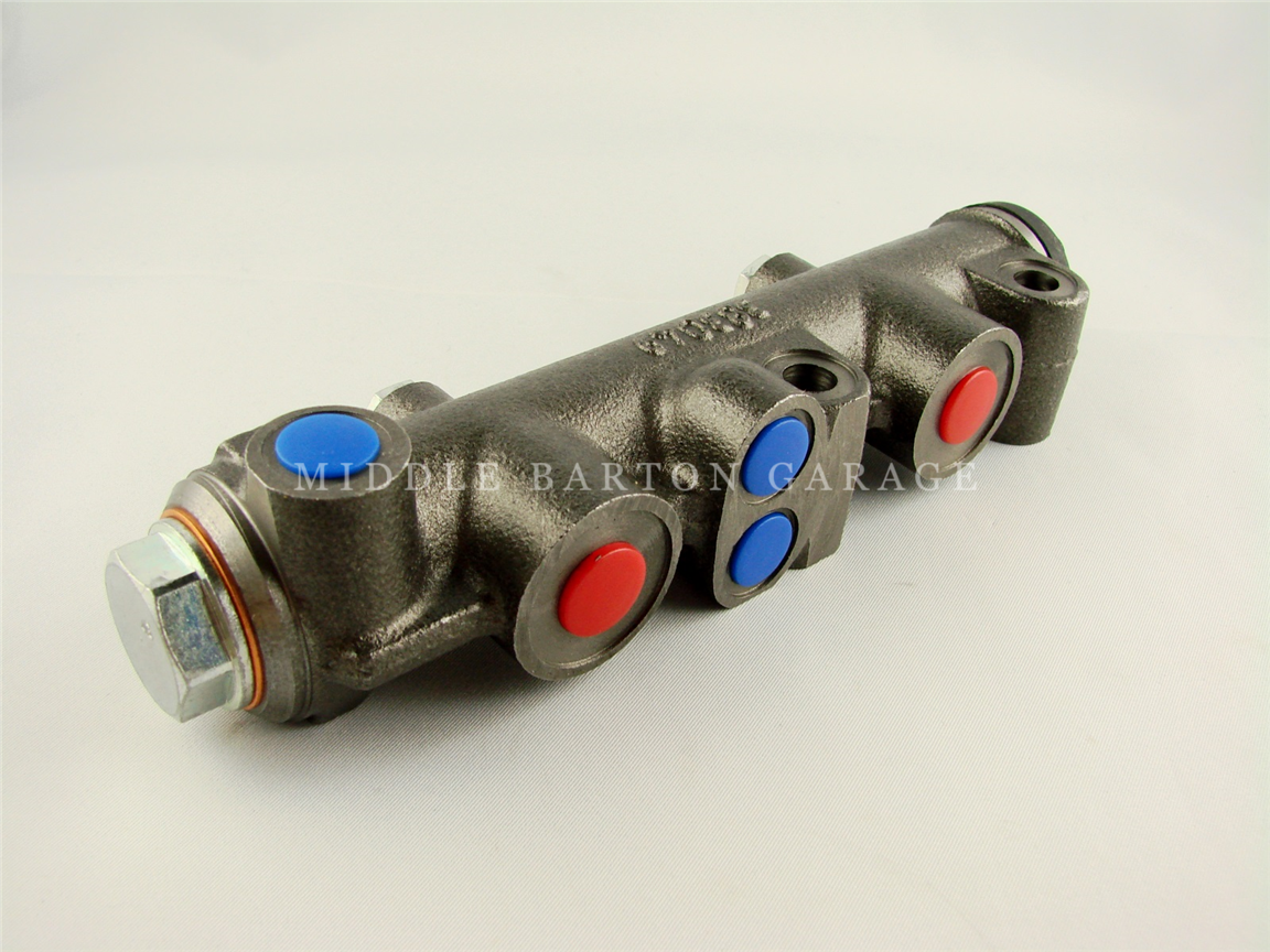 TWIN CYLINDER MASTER CYLINDER - 600