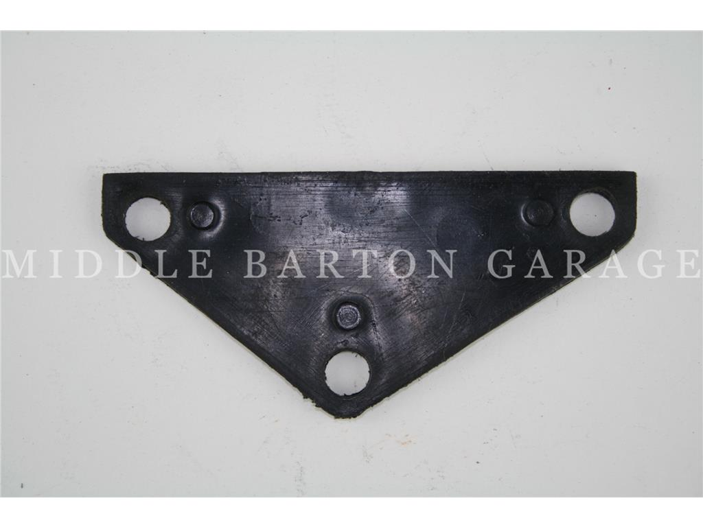 ENGINE MOUNT PLATE 600/850