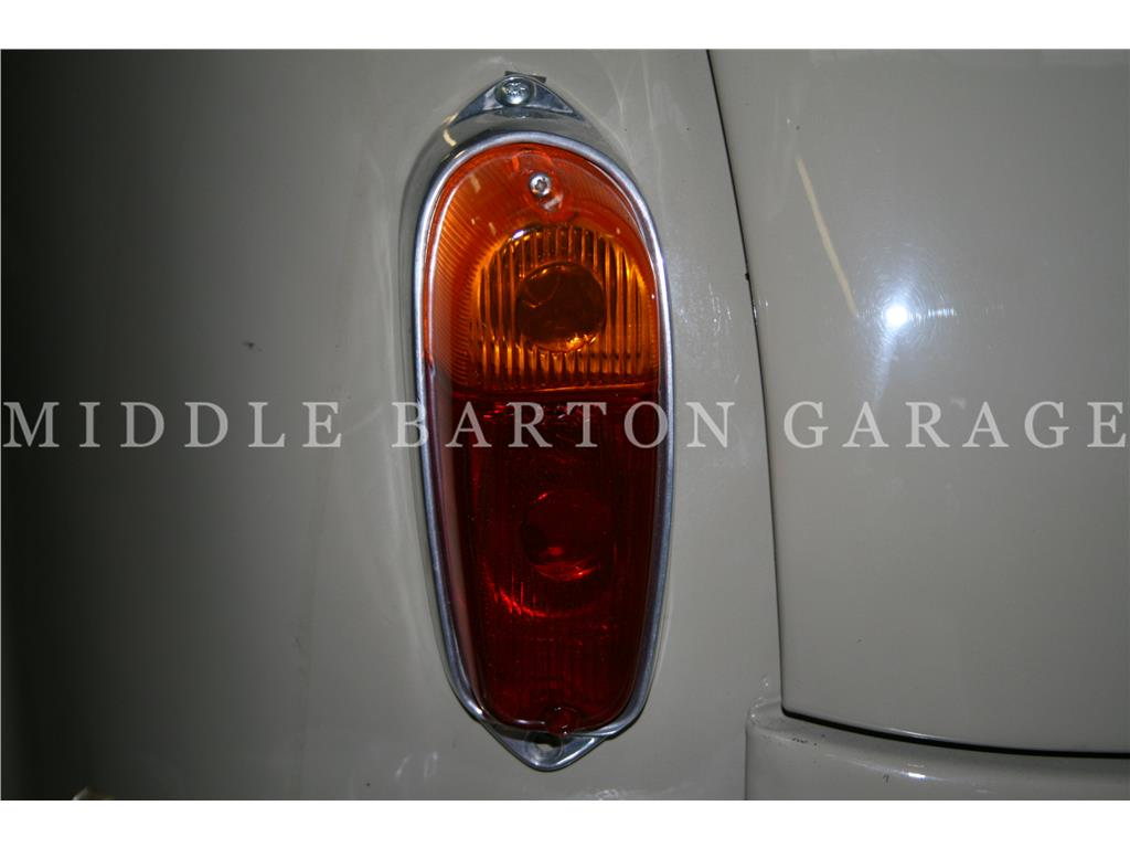 TAIL LIGHT COMPLETE LH 600D MULTIPLA