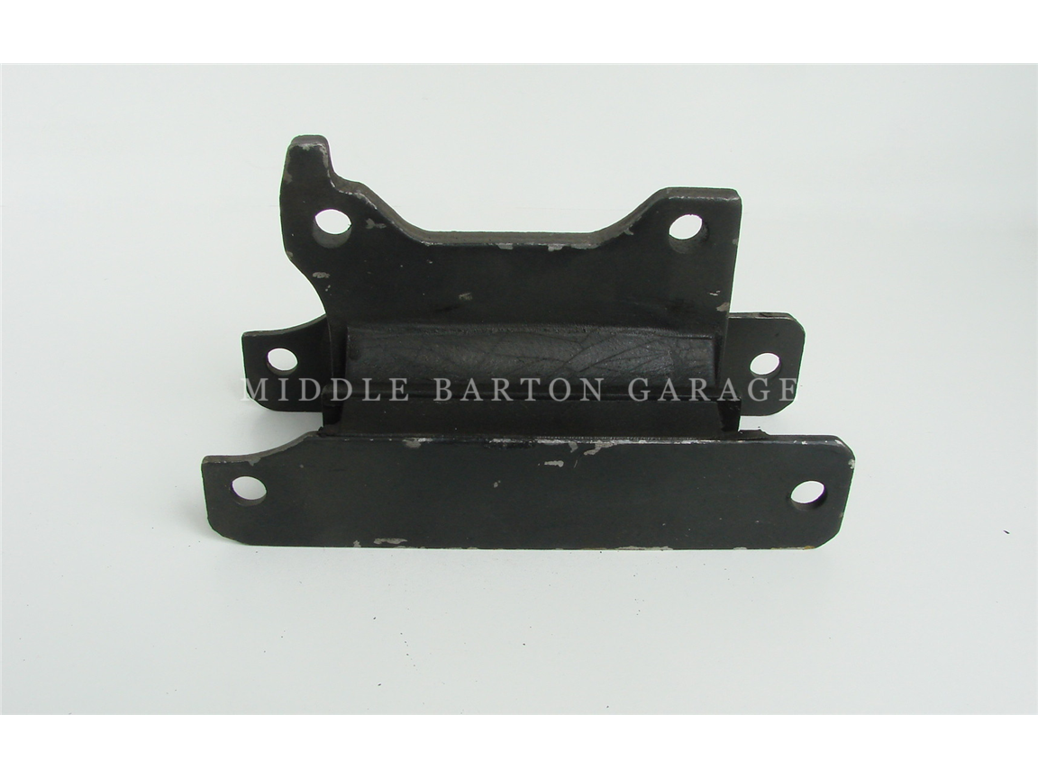 GEARBOX MOUNT 130 AUTOMATIC