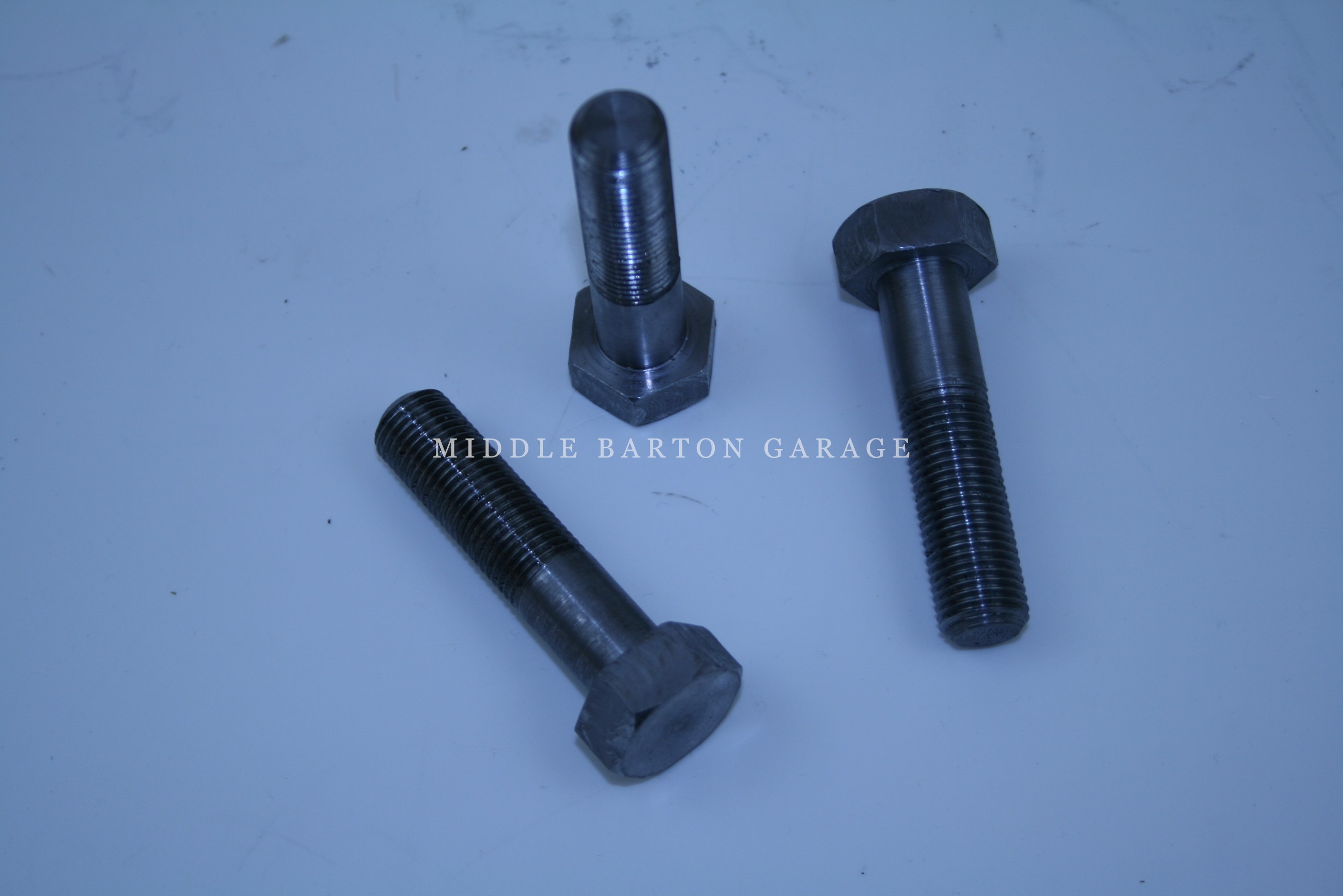 CRANK PULLEY BOLT 124 2000 AFTER 83 125TC 130TC