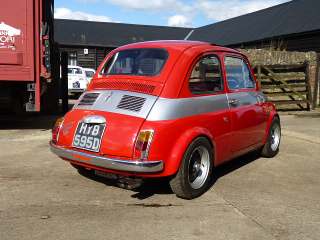 Car sales fiat 500 and classic abarth specialists middle for Garage abarth paris